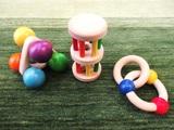 カラフルな赤ちゃんのおもちゃ