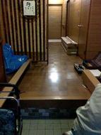 玄関の床のリフォーム