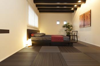 アースカラーナイトフォレスト寝室.jpg